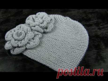 Вязаная шапка спицами👧 2 видео. Винтажная шапочка спицами с цветами. Вязаные шапки спицами