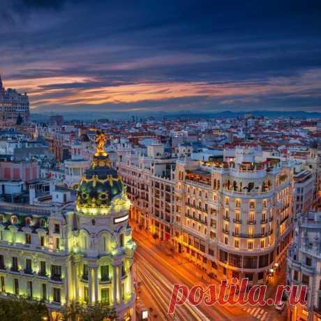 Улица Гран-Виа, Мадрид, #Испания@discoverygroup