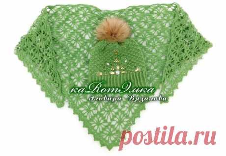 Очаровательный зелёный комплект с ручной вышивкой.  Работа мастерицы Эльвиры Вязаловой