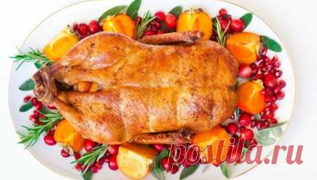 Утка в духовке - сочная и мягкая. Простые и вкусные рецепты в домашних условиях Здравствуйте! Друзья, на очереди рецепты приготовления ароматной и нежной, хотела написать курицы, ахах, а вот и нет. В прошлый раз