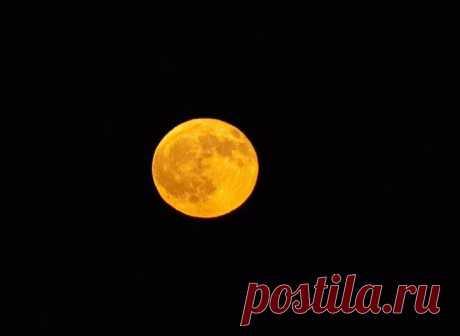 Луна в астрологии — за что отвечает и его значение