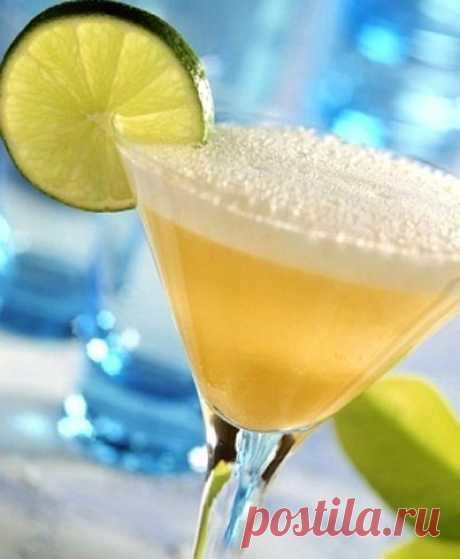 Лучшие рецепты алкогольных коктейлей для встречи Нового года.