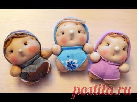 (9) Куклы-пупсы из носков. ПОДАРОК . мастер класс. Dolls out of socks DIY - YouTube