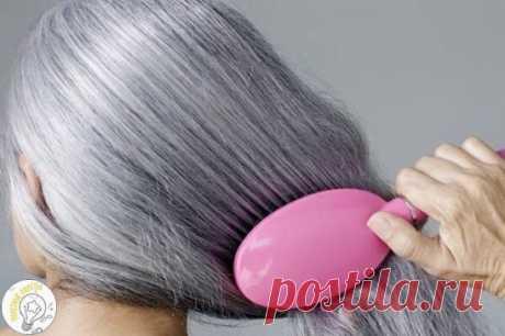 10 рецептов избавления от седины С возрастом, или под воздействием внутренних факторов, волосы изменяют свою структуру. Нарушается выработка меланина, появляется большое количество воздушных пузырьков. Таким образом, волосы обесцвечиваются изнутри и становятся серыми, а затем полностью белыми.  Что делать, если седина появилась слишком рано или просто некстати?  1. Хна. Взять 1 ст. ложку хны на стакан воды, прокипятить и полученной теплой кашицей, протереть кожу головы и волосы: хна при э