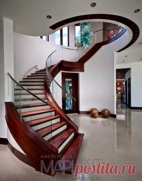 Изготовление лестниц, ограждений, перил Маршаг – Моллированные ограждения деревянной лестницы