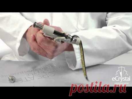 Изготовление браслета Сваровски из замши с застежкой