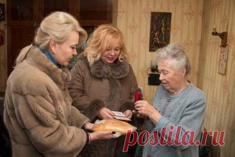 Глава Крыма требует уволить чиновниц за раздачу хлеба ветеранам: nordstrim — LiveJournal