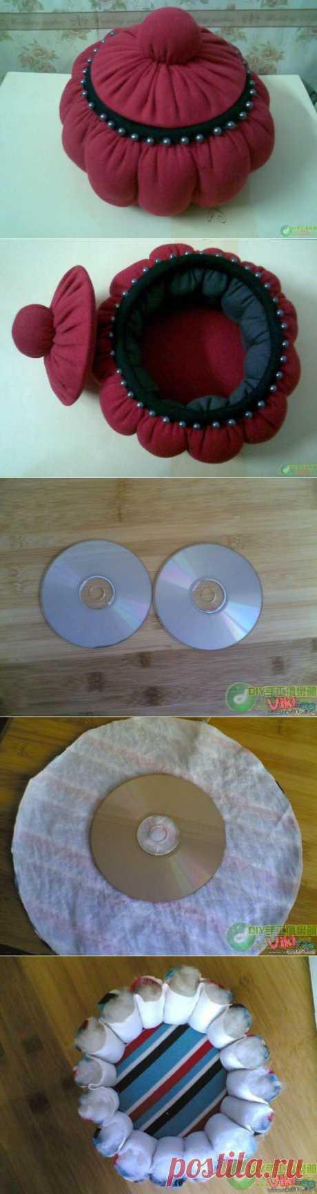 """Шкатулка из лоскутков и  ненужных дисков   Практичное рукоделие из подручных материалов/Плюшкина со знаком """"+"""""""