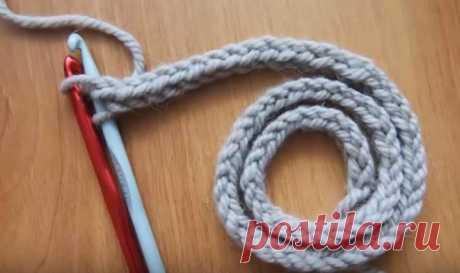 Как связать одинаково ровный и красивый со всех сторон шнур двумя крючками А вы знаете, как связать шнур двумя крючками? Если нет, то посмотрите...