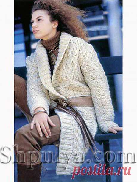 Белое пальто фантазийным узором с шалевым воротником — Шпуля - сайт о вязании