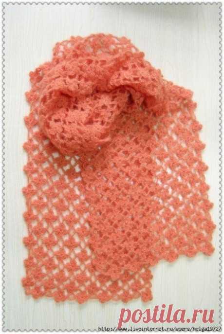 Тонкий цветочный шарфик