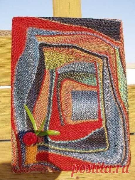 """Вязание в технике """"Свинг"""".  Техника Свинг вязания состоит из строф и пауз, это американская техника поворотного вязания, или частичного вязания, или вязания укороченными рядами. Самое главное - можно использовать остатки пряжи, это очень экономично и это вязание без запутавшихся клубков.  Для того, чтобы освоить Свинг вязание необходимы знания по колористике и композиции. Для начала надо подготовить схемы, по которым будет происходить дальнейшее вязание. Затем связать обра..."""