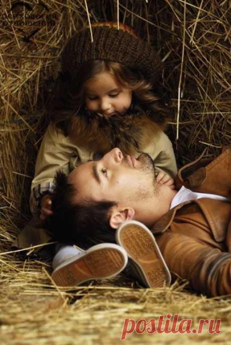 Когда у мудреца спросили: «Стоит ли баловать детей?», он ответил: «Непременно балуйте, неизвестно, какие испытания им приготовила жизнь».