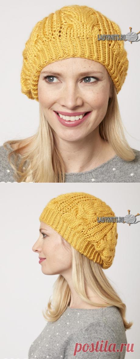 Вязаная спицами женская шапка с косами от Caron