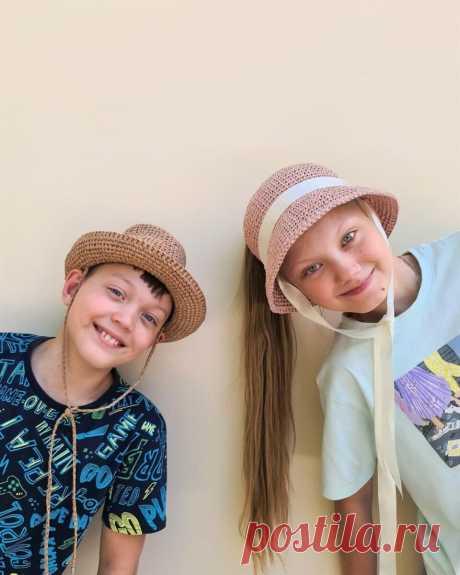 Рафия - самое летнее вязание. Лайф-хаки для вязания модных шляп и сумок крючком. Честный обзор марок рафии.   Первый вязальный!   Яндекс Дзен