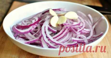 Как замариновать лук: для шашлыка, селедки и салата