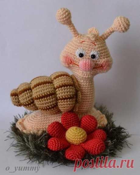 We knit a snail