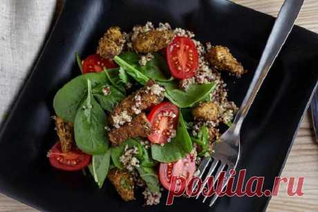 Салат с киноа и курицей с овощами – пошаговый рецепт с фото.