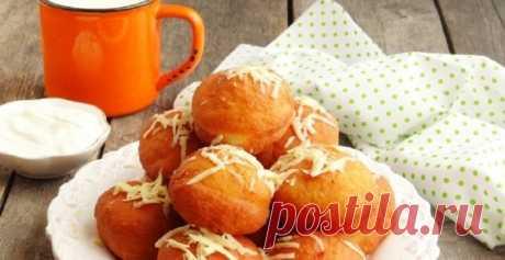 Картофельные пончики с ветчиной: это очень вкусно! Воздушные, кажется, невесомые картофельные пончики из дрожжевого теста. Их можно готовить как с начинкой (ветчиной, паштетом, мясным фаршем), так и без нее. Мне больше нравятся такие пончики без...