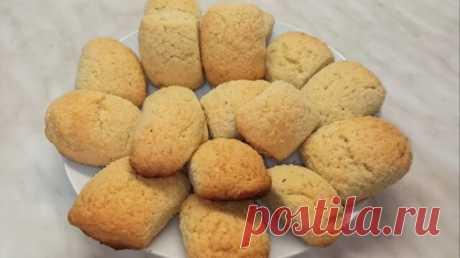 Кокосовое печенье сливочное масло или маргарин - 200 гр. сахар - 100 гр. яйца - 2 шт. мука - 300 гр. кокосовая стружка - 100 гр. ( 50 гр. в тесто+ 50 гр. посыпка) разрыхлитель - 2 ч.л. ванильный сахар - 2 ч.л
