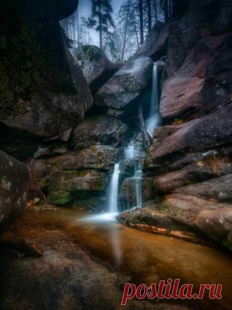 Las cascadas del flujo Muy frío en los Altos Tatrah, Eslovaquia. El autor de la foto – Stanislav Malyh: nat-geo.ru\/photo\/user\/52188\/