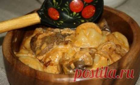 Los pelmeni en gorshochkah - las recetas de la foto. Como preparar los pelmeni en gorshochkah con las setas