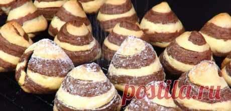 Праздничное песочное печенье. Пирамидка с начинкой.