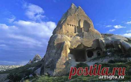 Каппадокия. Древние пещеры в Турции Каппадокия — историческое название местности на востоке Малой Азии на территории современной Турции (часть земель илов Невшехир, Кайсери, Аксарай и Нигде)