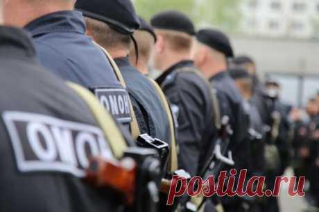 В Москве при стычке с бывшими десантниками пострадал правоохранитель - ТАСС По данным СМИ, несколько участников конфликта были задержаны.