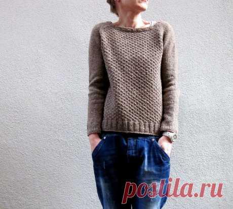 Вязание спицами женского пуловера регланом сверху вниз Aibrean.