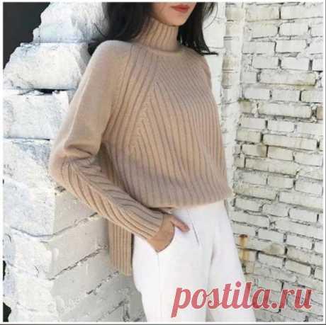 Пуловер спицами, найден на сайте у китайских мастериц. Приведена схема рукава и схема одной стороны переда с разрезом подола, вторая половина вяжется симметрично