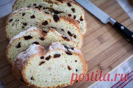 Passagem Gastronomica | Receita de Pão Esta receita de pão é fácil e deliciosa. Por não levar fermento, não é necessário trabalhar muito a massa, o que economiza tempo na hora do preparo. A textura do pão é bem macia, e você pode combinar com os ingredientes que gostar. PrintReceita de Pão Ingredientes500 g de farinha para pão* 10 g de …