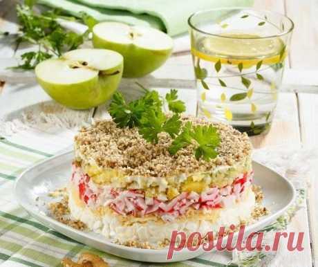 Слоеный салат «Северная мимоза»: новый взгляд на известную закуску