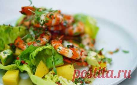 Салат из креветок с авокадо и манго рецепт с фото пошагово