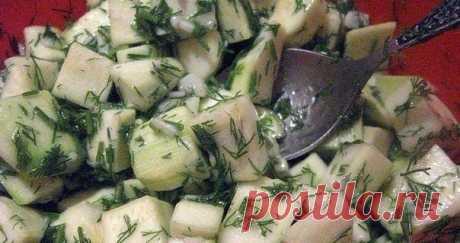 Кабачки «Под грузди» — песня, а не закуска…  Очень простой в приготовлении рецепт. Интересный грибной вкус. Хороша закусочка под холодную водочку да с горячей картошечкой.