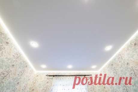 Примеры красивых натяжных потолков в спальне