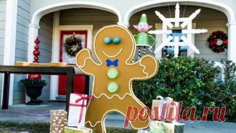 Новогодние украшения для улицы - 5 отличных идей Новый год прекрасен возможностью украшать все, что только можно, и никто при этом не обвинит вас в излишествах. Не боясь того, что кому-то ваши решения могут показаться чересчур навязчивыми, объемными, грандиозными, можно украшать, украшать и украшать дом, елку, окна, люстры, двери, детские кровати, кухню, лестницу. А еще - ура! - можно делать новогодние украшения для улицы и декорировать ими крыльцо и газон, раскидистую ябл...