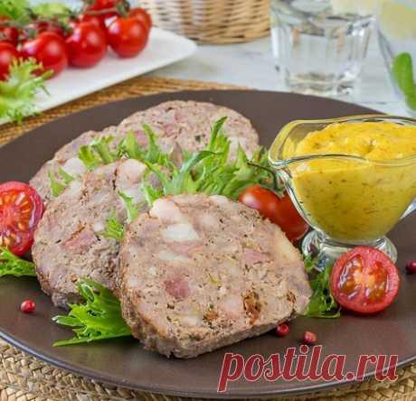 Рецепт мясного рулета с копченой грудинкой на Вкусном Блоге