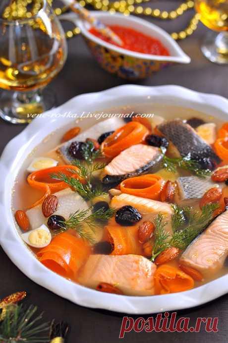 Пять разных заливных на любой вкус и цвет! Готовимся к НГ!     Уж так принято у нас, что если Новый год, то это изобилие закусок. И ничто так не украшает праздничный стол, как красивое заливное. Заливное из курицы, мяса, овощей, языка, грибов, рыбы, его можно…