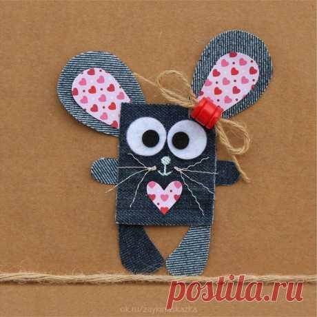 АППЛИКАЦИИ ИЗ ТКАНИ И НИТОЧЕК  Идеи для творчества. Из кусочков джинсов и других тканей, клея, ниточек и верёвочек можно сделать такие милые открытки.