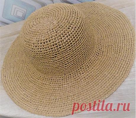 Широкополая шляпа с полями из рафии крючком - мастер-класс по вязанию со схемами и фото