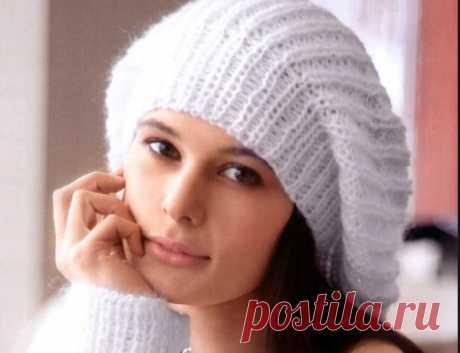 Молодежные шапки для девушек спицами. Схемы с описанием, фото
