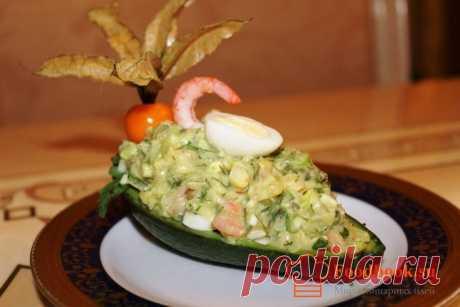 Закуска из авокадо, груши и креветок | Foodbook.su Подача такой закуски как нельзя кстати подходит к праздничному столу! Ну и конечно какое же застолье без закуски. Этот рецепт достоин Вашего внимания.