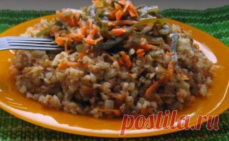 Жарим капусту и смешиваем с гречкой: постный ужин получается сытным
