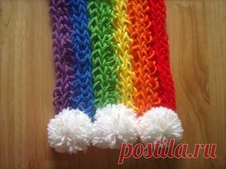 Вяжем на пальцах детский шарфик