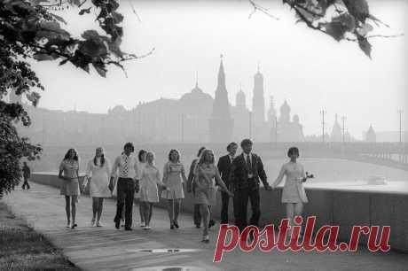 15 фото известного фотографа СССР. Очарование миром, а, иногда, и юмор... | Ярмарки монет и антиквариата | Яндекс Дзен