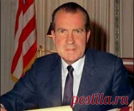 Сегодня 22 апреля в 1994 году умер(ла) Ричард Никсон