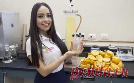 Пластик из апельсиновой кожуры разлагается за 90 дней! Борьба с пластиковым загрязнением не прекращается, и на этот раз молодая мексиканская студентка Жизель Мендоса применила все свои навыки, чтобы создать пластик из апельсиновой корки.