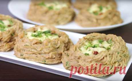 Картофельные гнезда с начинкой из сыра и бекона