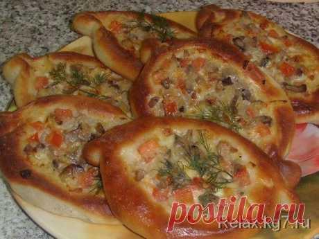 Пирожки-лодочки с сырно-грибной начинкой!